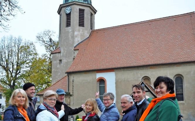 https://www.lr-online.de/lausitz/elsterwerda/neue-fenster-fuer-kirche-in-stolzenhain_aid-6812760